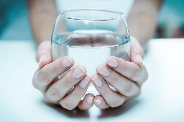 Die Ayurvedas Heisswasser Trinkkur